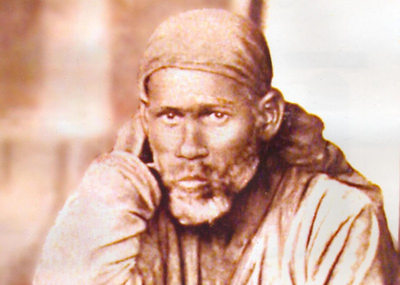 Young_Shirdi_Sai_Baba_close-up